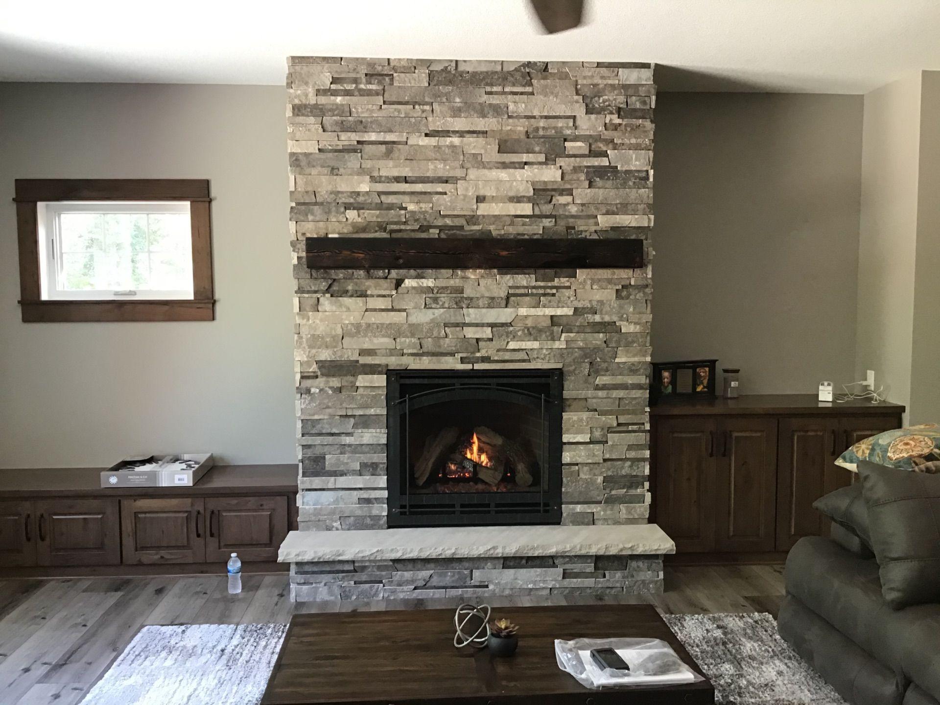 Traditional Fireplace In 2020 Traditional Fireplace Fireplace Gas Fireplace