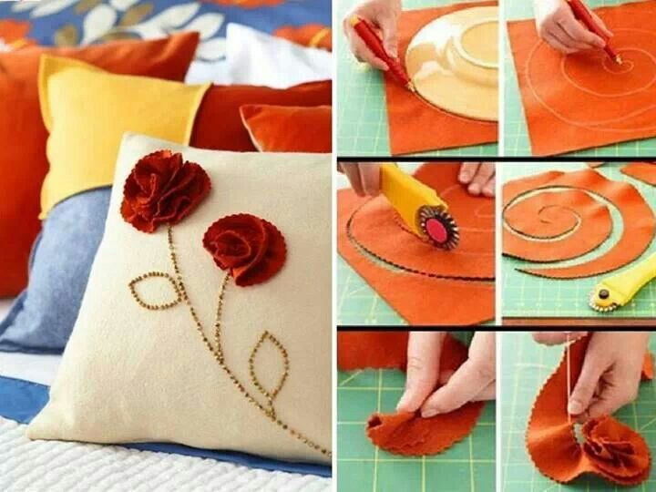 Decorate pillows with felt flowers
