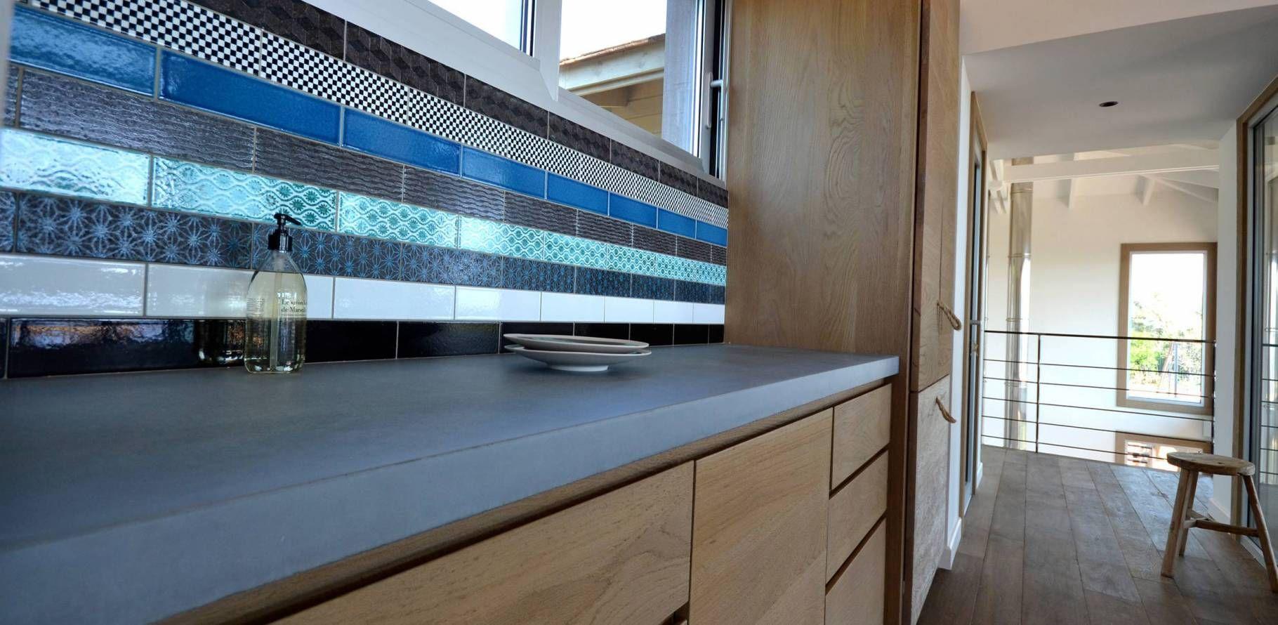 Spérone - Kitchen nook with concrete worktop | Concrete bespoke ...