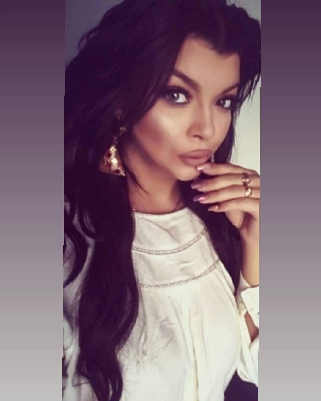 Polishgirl Women Brunette Curlyhair Selfie Instaphoto Kielce