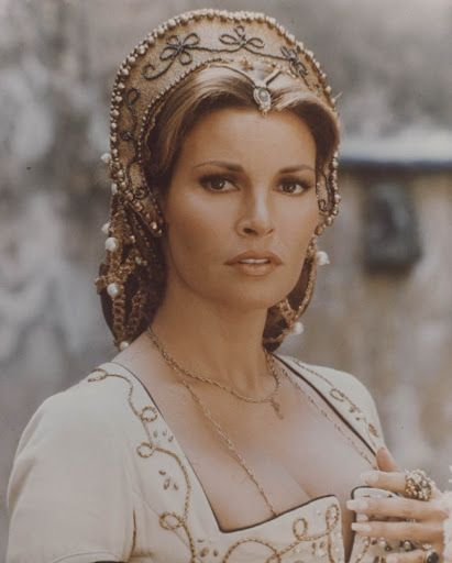 raquel welch in renaissance costume costumes from tv