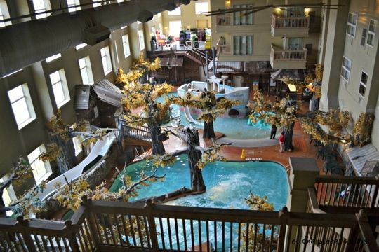 Crawdaddy Cove Indoor Water Park Madison Wi Kid Friendly