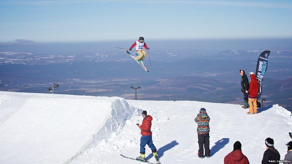 Slide show Snowsports event images Scotland highlands