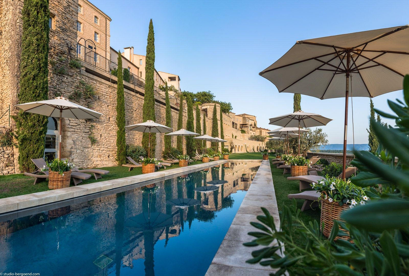 La bastide de gordes h tel de luxe 5 toiles au c ur du for Top hotel france