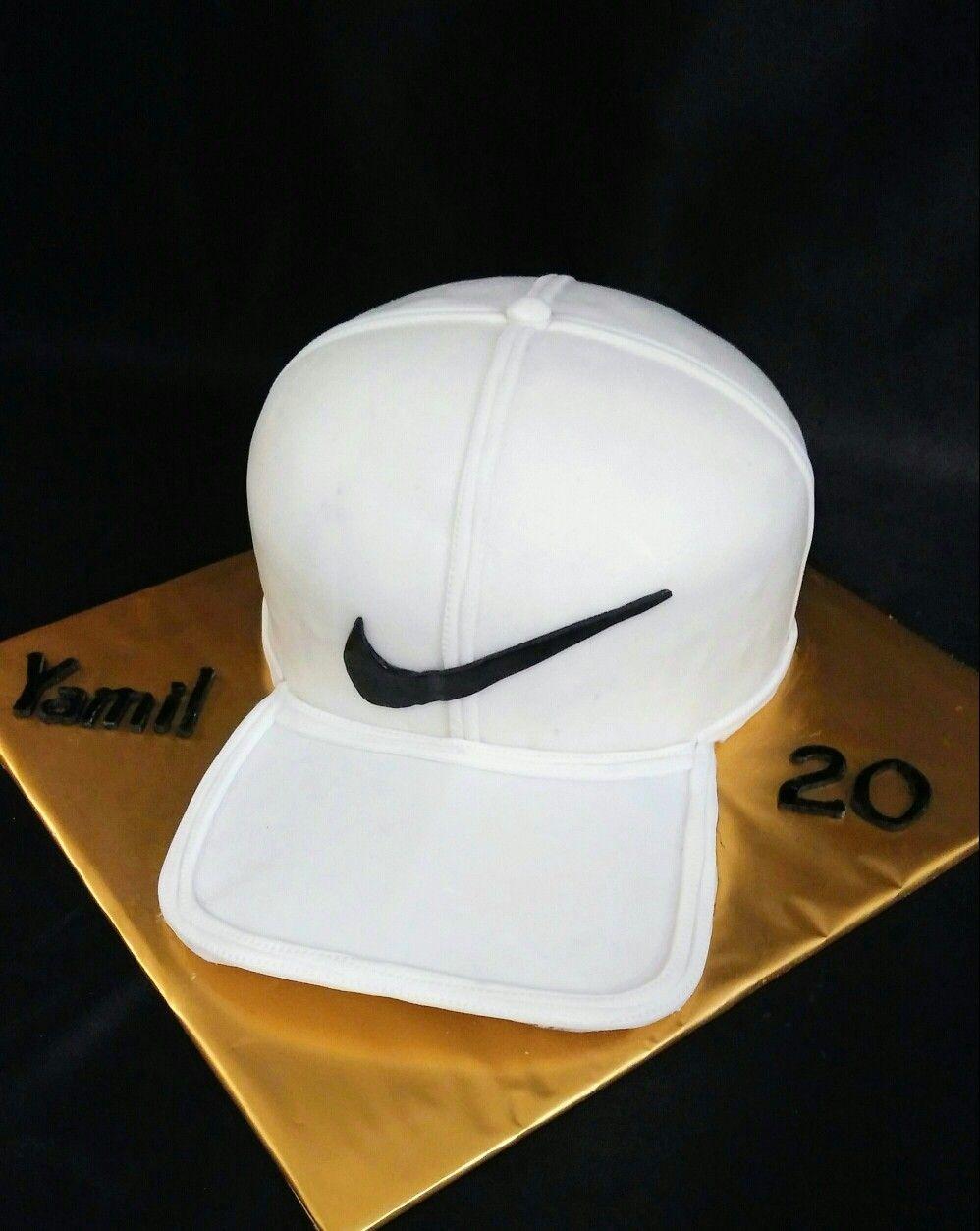 wholesale dealer f0e4f f6fd3 Nike Cap Cake   David s Cake Designs in 2019   Cap cake, Cake ...