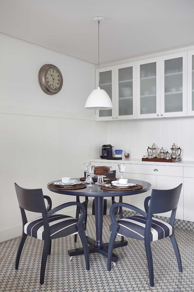 Destaque Para As Obras De Arte Kitchens Room And House -> Decoracao Sala De Jantar Azul