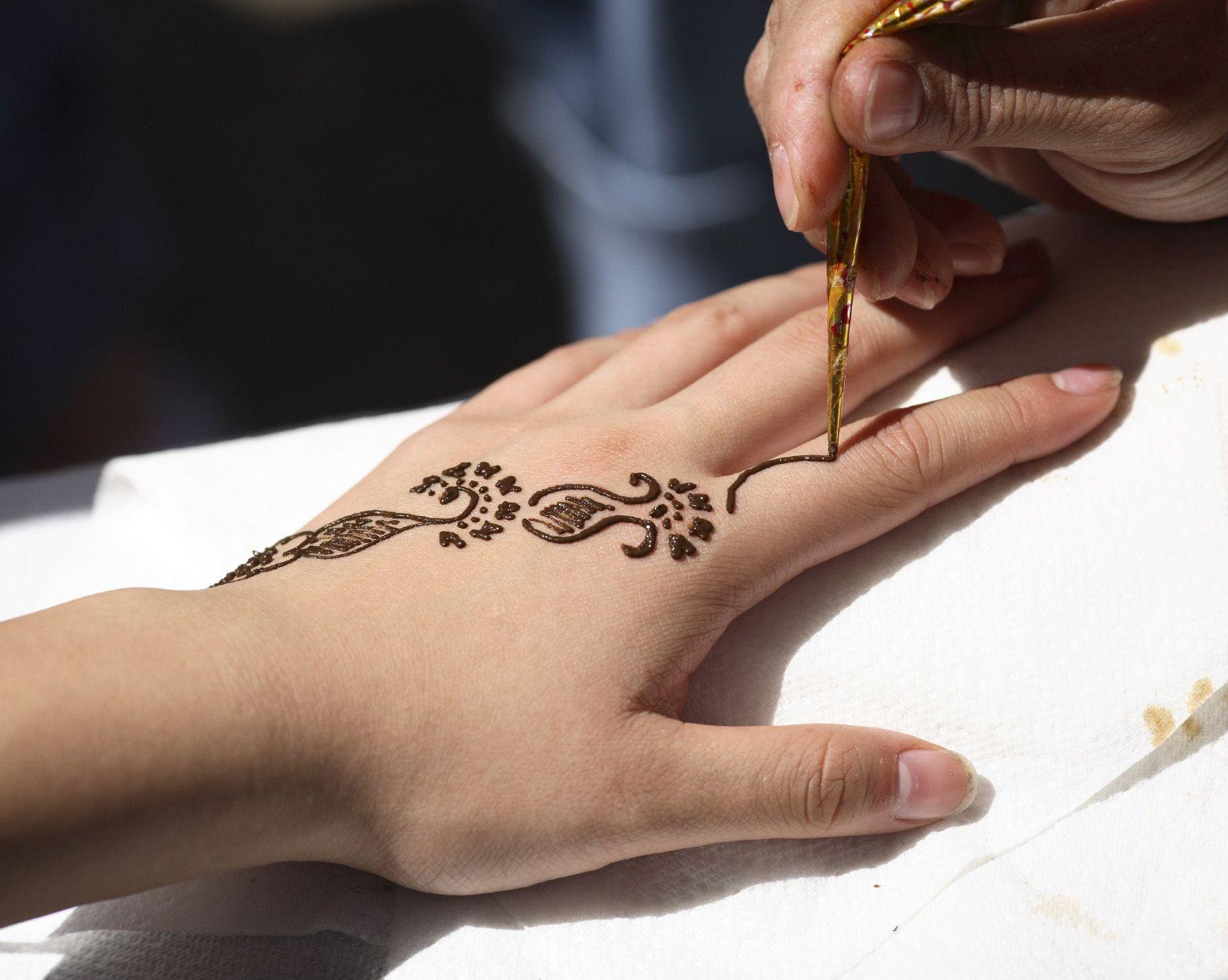Henna Tattoo How To : Application henna hennas and tattoo