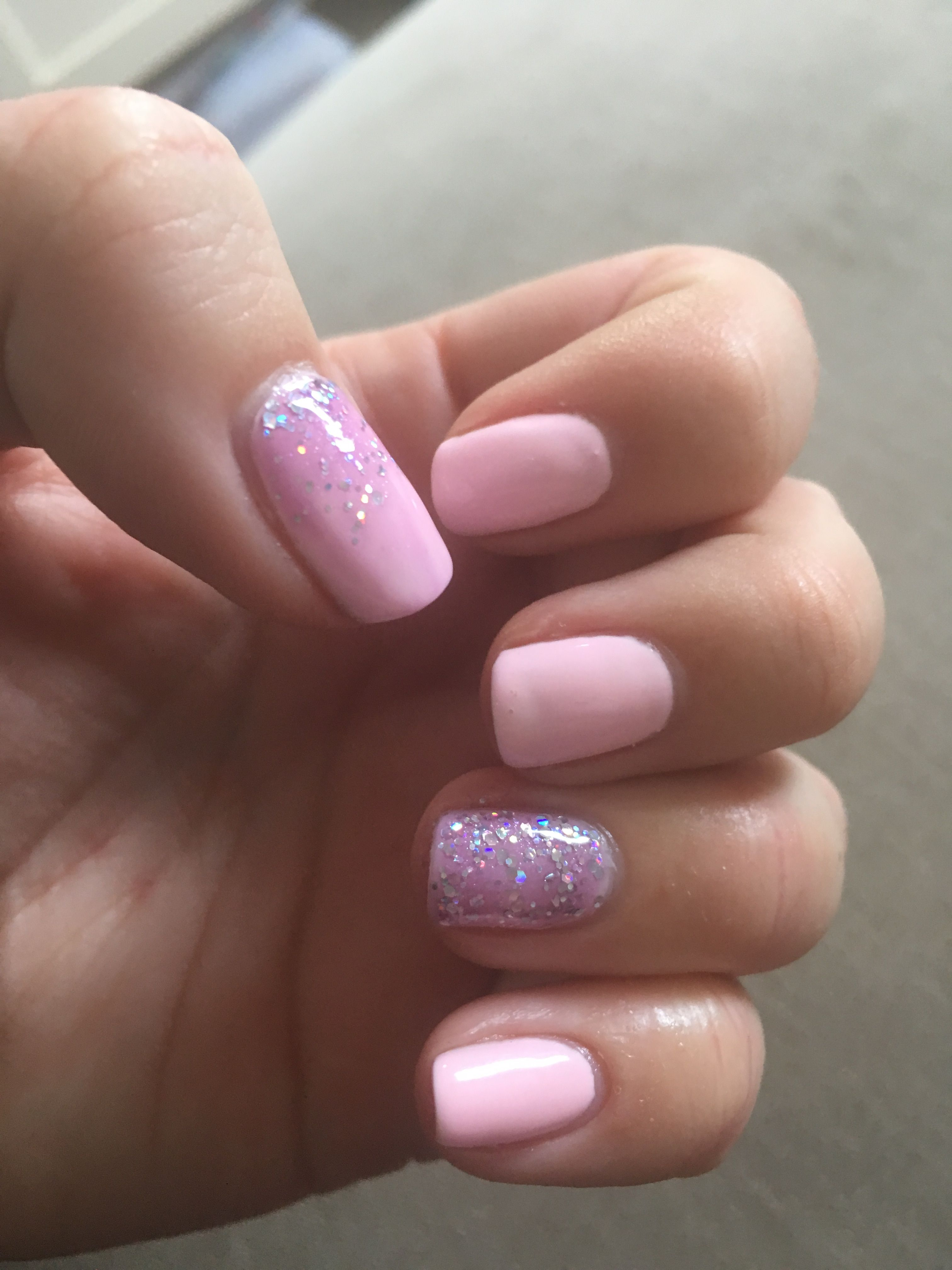 Pink Sparkle Gel Nails Gelish Baby Pink Iced Pink Pastel Nails Girlie Look Nails X Sparkle Gel Nails Pink Nails Glitter Gel Nails