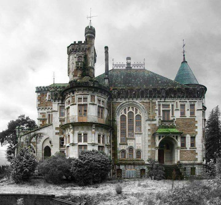 Abandoned Mansion In Portugal