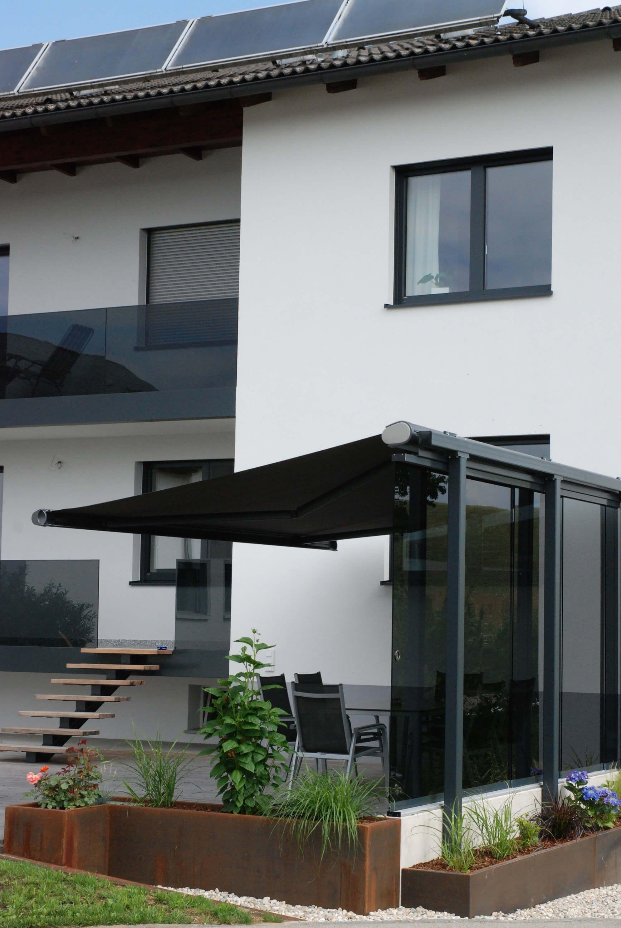 Glastüren mit grauem Glas zum Schieben