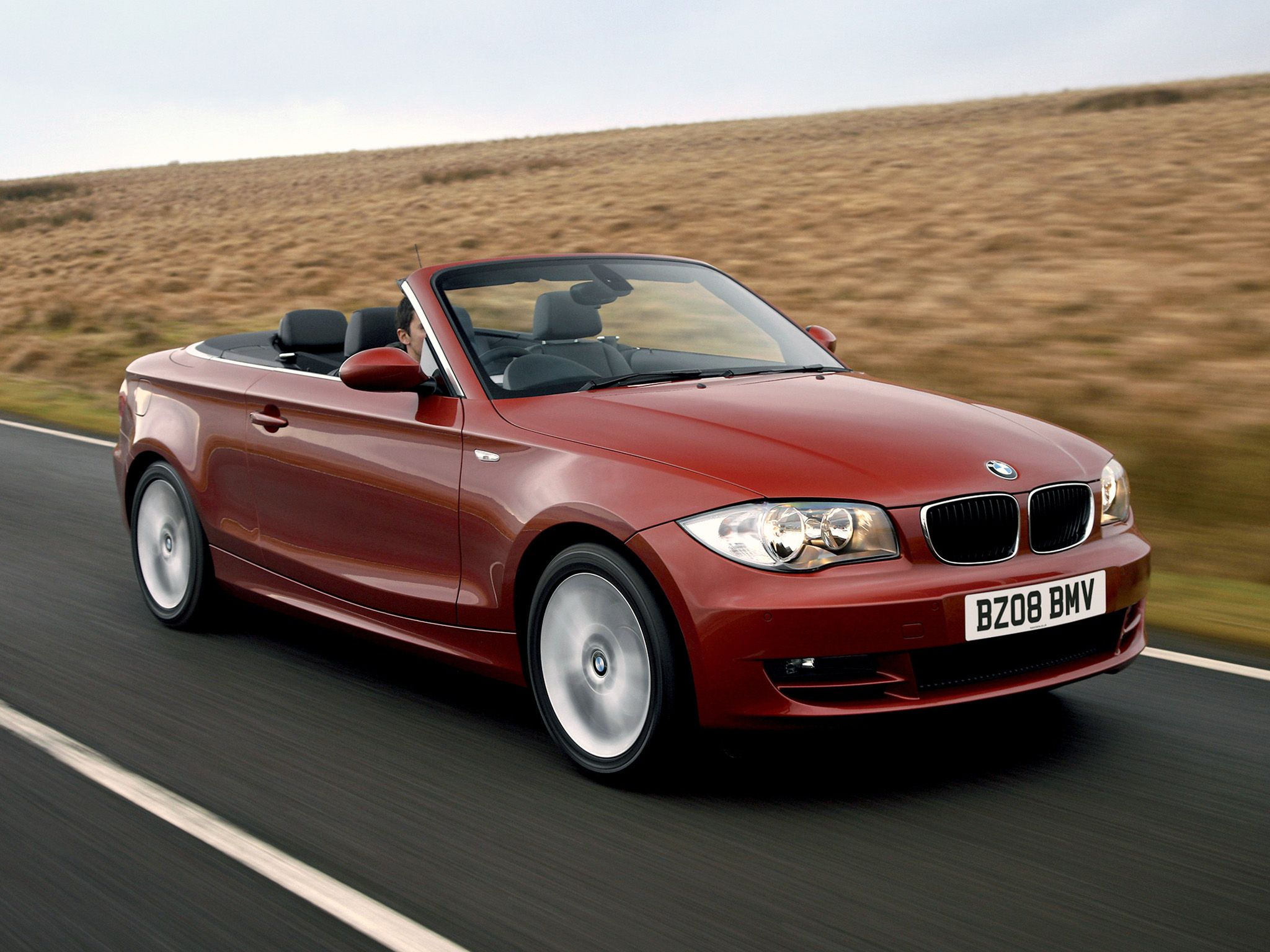 E88 Bmw 125i Convertible In Vermillion Red