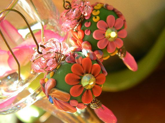 Floral Polymer Clay beaded earrings adorned with Hot Pink Czech Glass beads and Fushia Hot PInk Chalcedony Faceted Briolettes. So pretty for Spring and Summer...