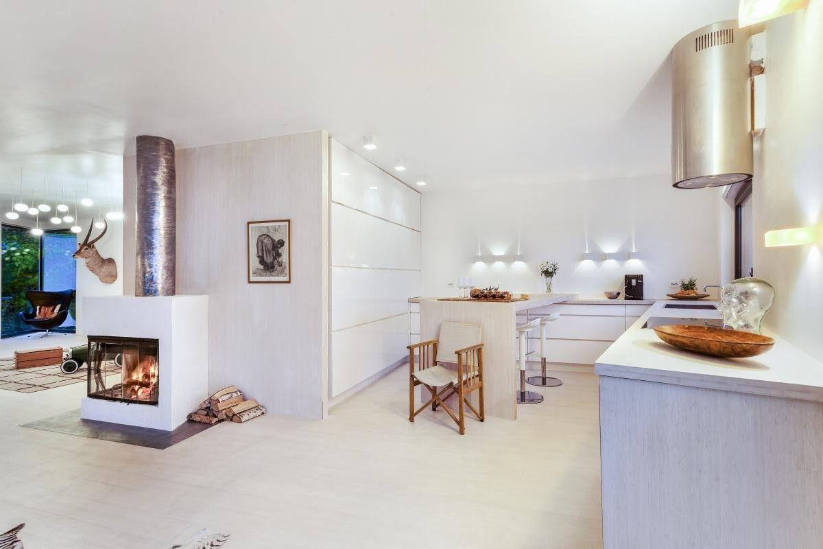 (2) FINN – Bestum - Utsøkt murvilla moderne funkisstil. Spektakulær utsikt, 80 kvm takterrasse