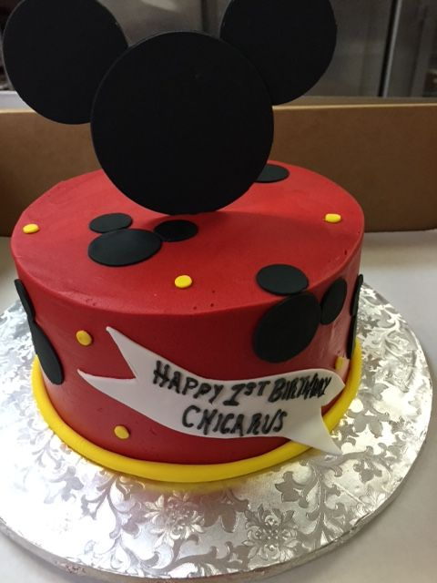 Mickey Mouse One Tier Round Cake Using Buttercream And Fondant Accents Mickey Mouse Birthday Cake Baby Boy Cakes Mickey Mouse Cake