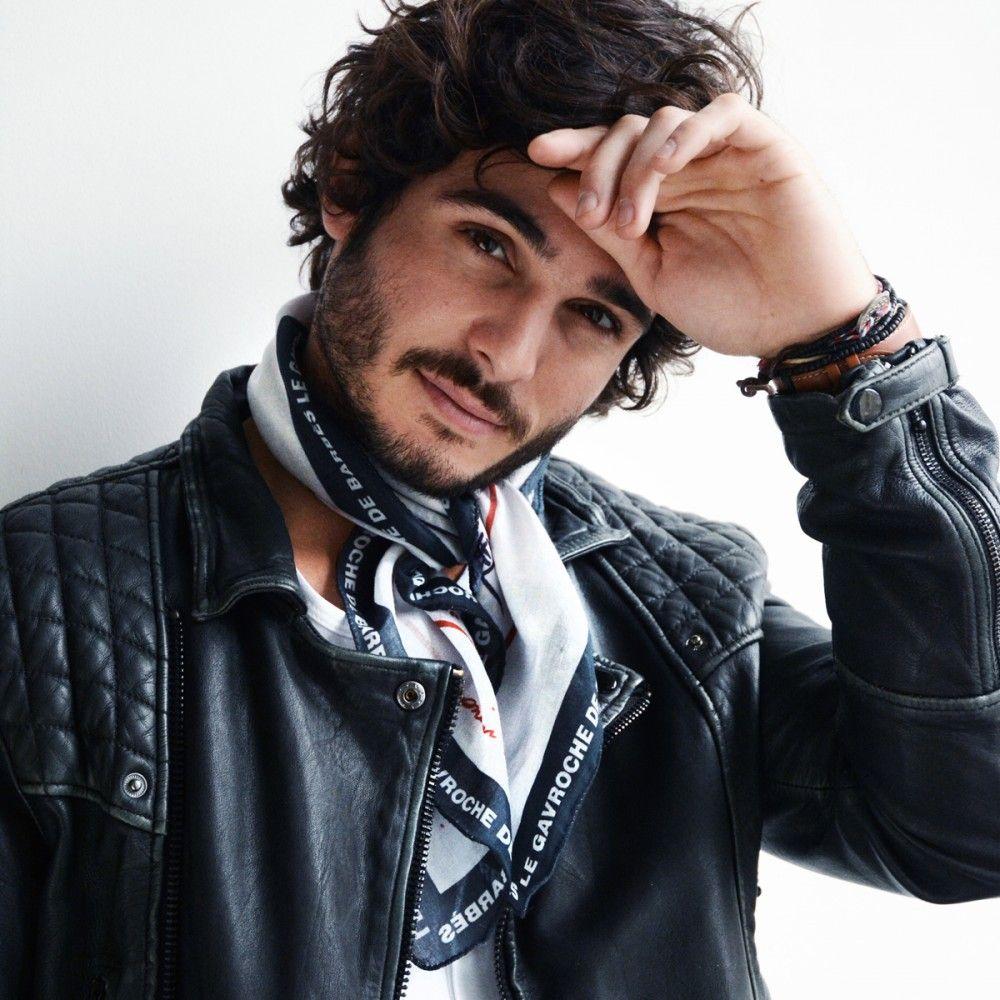 34f8dc101780 Carré en coton impression signature Monsieur Charli Bandana Homme,  Accessoires De Mode Pour Hommes,