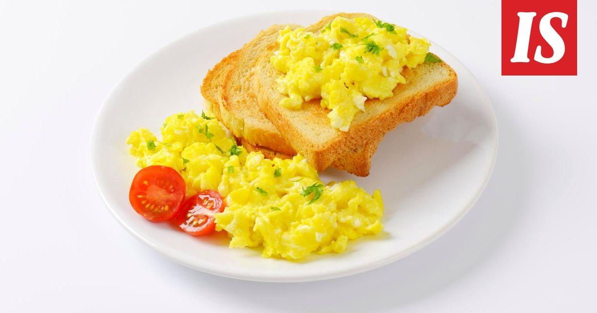Vaikka munakokkeli on erittäin perusruokaa, voi senkin valmistaa monilla eri tavoilla.