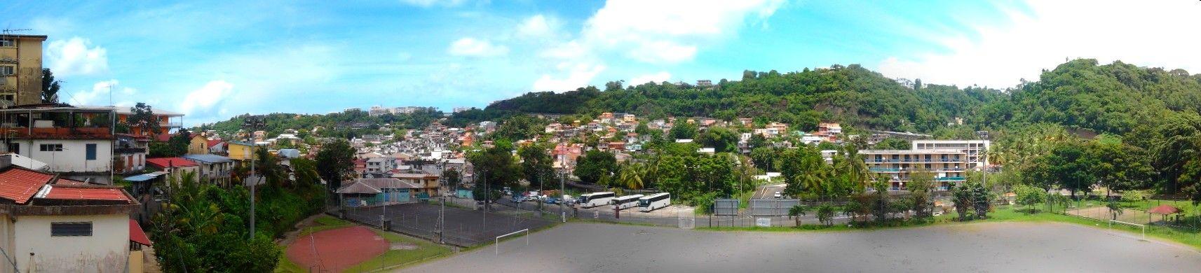Vue panoramique sur le quartier Ermitage à Fort de France Martinique on Photos Martinique  http://www.caraibemosaique.com/photosmartinique/social-gallery/img-20130825-175401-6