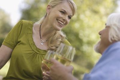 ¿Beber vino blanco puede ayudar a perder peso? | LIVESTRONG.COM en Español