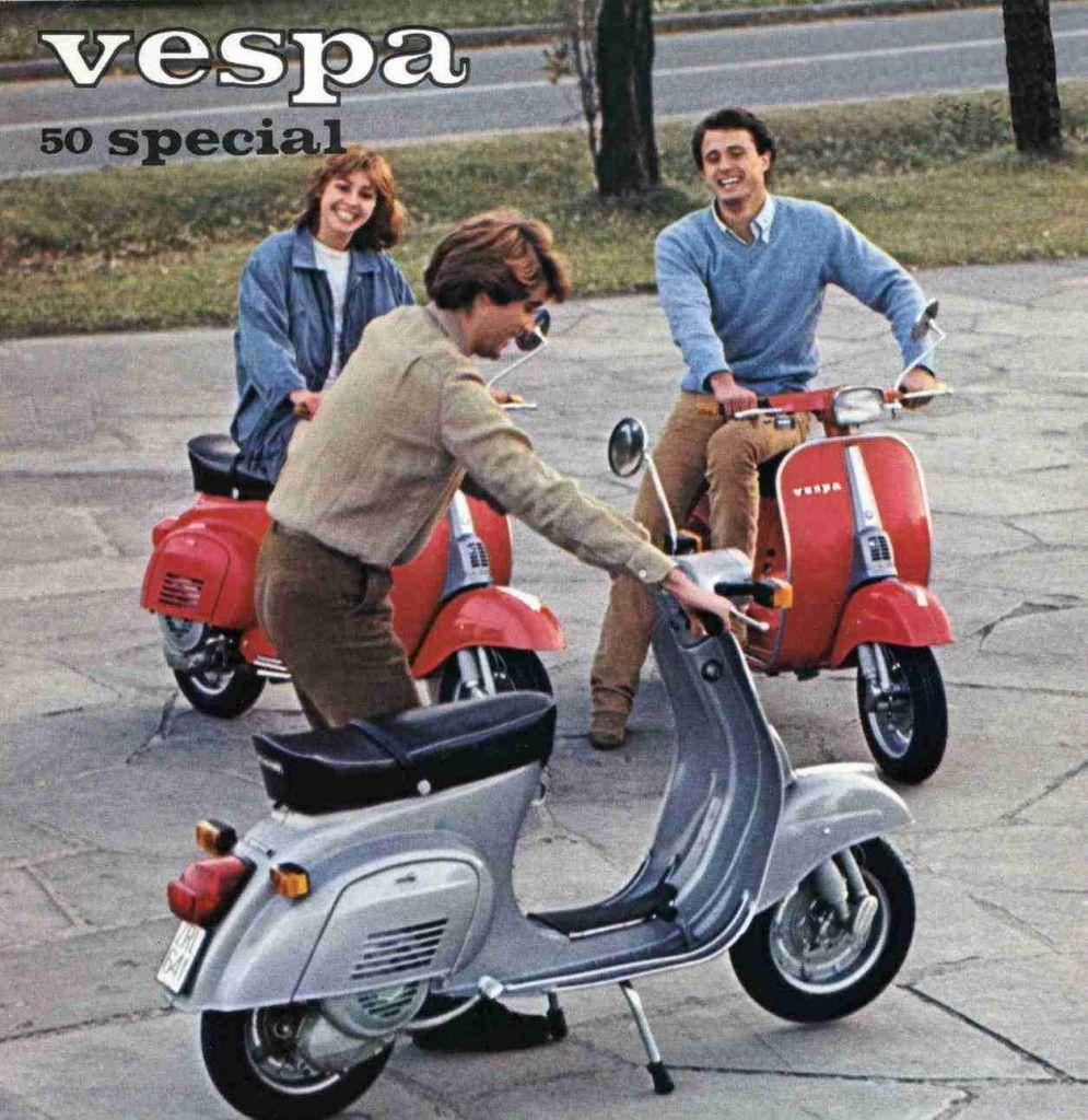 Vespa 50 Special Pubblicità Anni 70 Chi Vespa Mangia Vespa Scooter Vespa Vespa Vintage