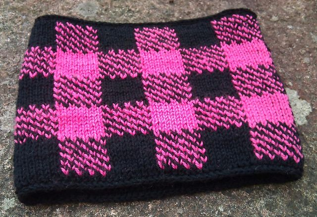Ravelry: Gingham Neck Warmer in Double Knit pattern by Gabriella ...