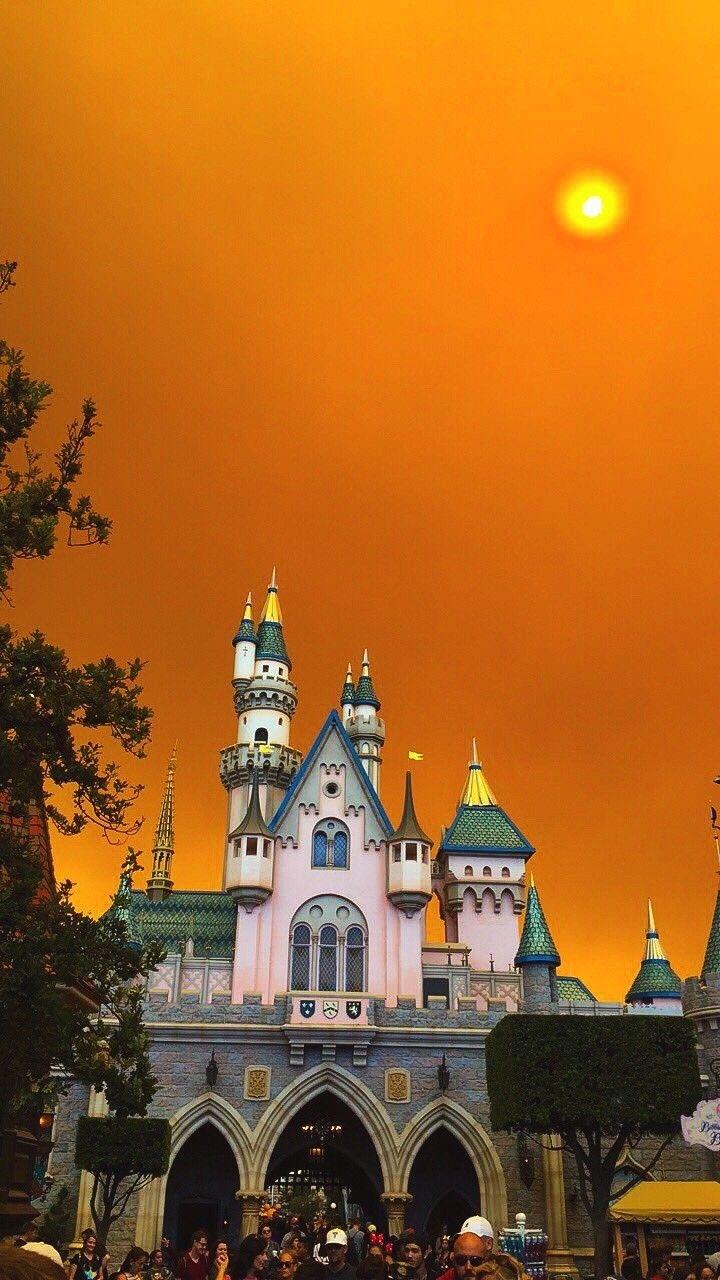California wild fire sky at disneyland | Anaheim hills ...