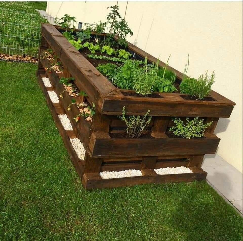 Pin By Yuliya Goroshko On Gartendekoration Diy Garden Bed Diy Raised Garden Raised Garden Beds