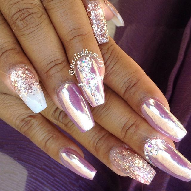 Chrome and pink champagne. | Nail Art | Ongles, Ongles ...