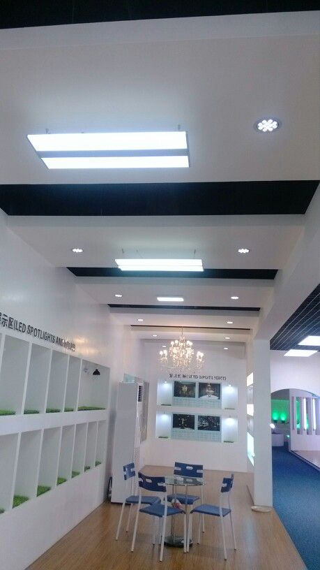 Led panel light double face in the showroom fond of by thorn lighting people
