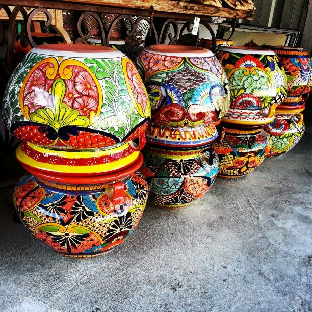 lots if mexican planters pots talavera in houston texas 725 yale st 713 880 2105 mexican. Black Bedroom Furniture Sets. Home Design Ideas