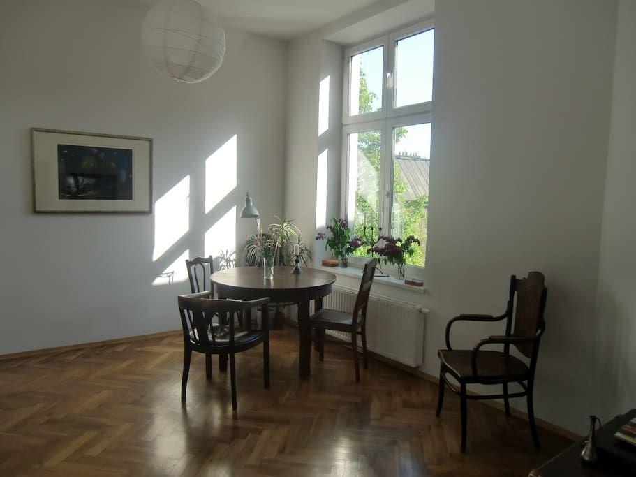 Échale un vistazo a este increíble alojamiento de Airbnb: Old Town, cosy, bright, very quiet - Apartamentos en alquiler en Cracovia