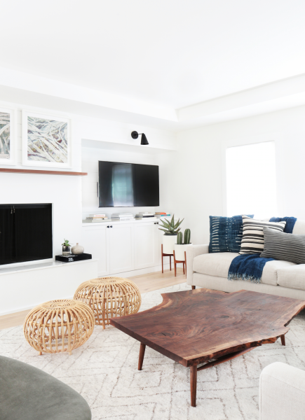 Sometimes the key to giving your home a luxe-looking update isn't a giant overhaul or a costly renovation but small yet effective additions to improve what you already have. And no room is easier to spruce up than the living room, since it's typicallythe only space in the house that's forward-facing, so infusing it with…