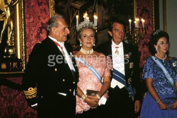 Found this image in another folder of the Infantas Pilar, wearing the Cartier Loop tiara, and her younger sister, Margarita, wearing their mother's sapphire tiara