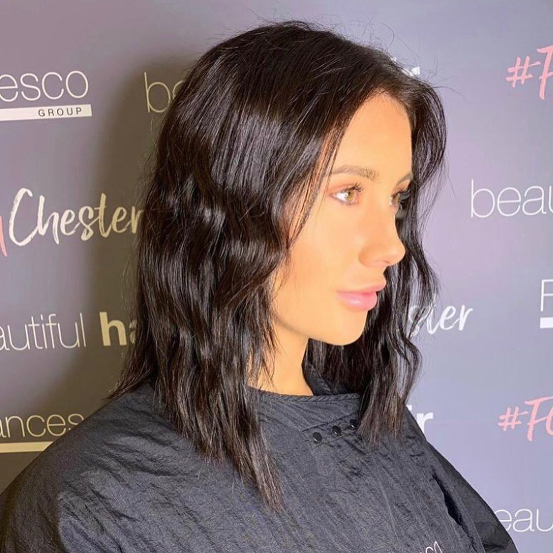 Gave our gorge @kimberleyjoneshair a new look cutting her lengths to a gorgeous new blunt lob.  Wanna change your look up a bit? Come and have a cuppa with me @francescogroupchester
