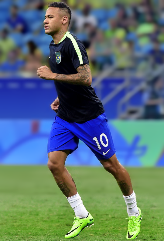 "barcelonaesmuchomas: "" Neymar warms up before the start the Rio 2016 Olympic  Games mens first"