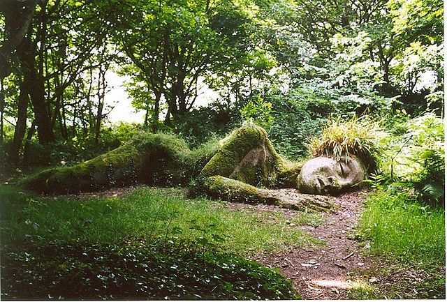 Mud Maid Grass Sculpture Lost Gardens Of Heligan Cornwall Lost Gardens Of Heligan Lost Garden Garden Statues