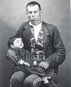 Padre+con+su+hijo+muerto+(1870)[1].+Foto+espa%C3%B1ola+de+J.+Rodrigo.+Archivo+Municipal+del+pueblo+de+Lorca.+p (243×300)