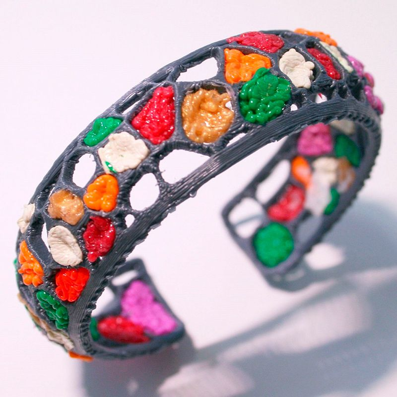 create your own jewellery using OKIO 3d pen. 3d drawing