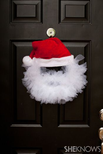 DIY - Tulle Santa Wreath. Because we need a little Christmas, right this very minute! :)