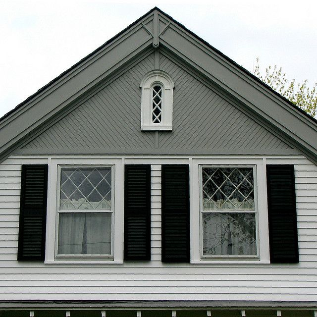 1 1 2 Story Front Gable House Design Ideas Pictures Remodel And Decor Cottage House Exterior House Paint Exterior House Exterior