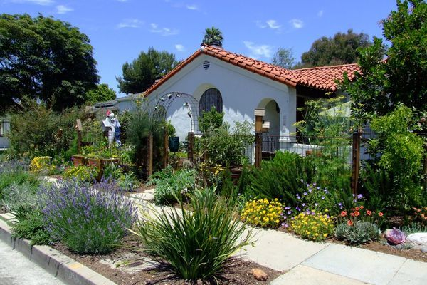 California Landscaping Ideas 10 high impact landscaping ideas for instant curb appeal
