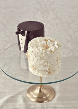 Small wedding cakes a fun wedding cake choice pinterest small simple small wedding cake ideas junglespirit Images