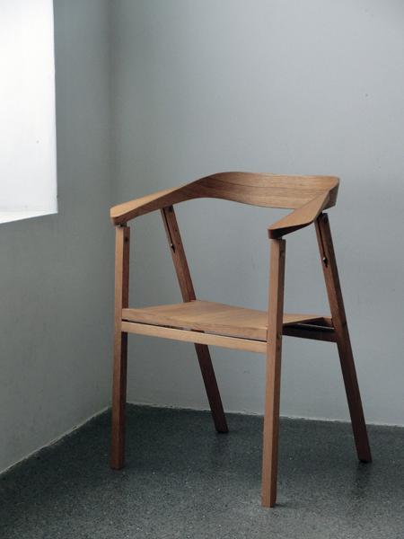 John Roe Luna Sit In 2019 Furniture Chair Folding Chair