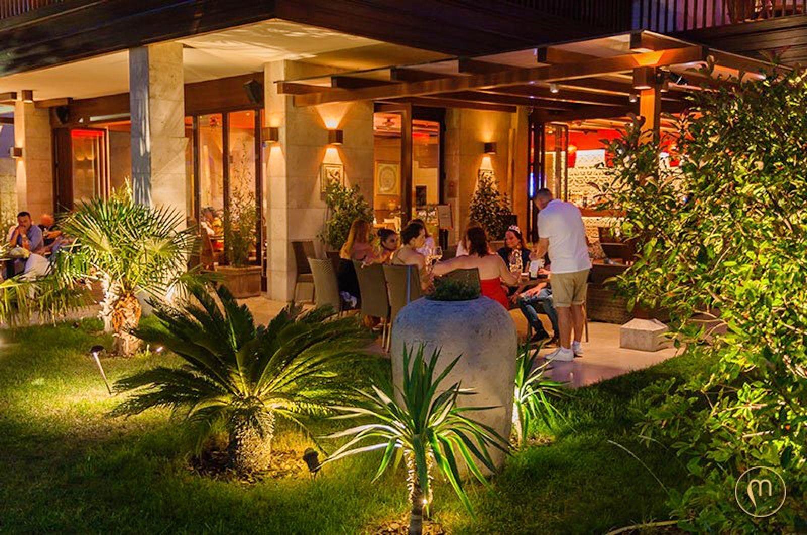 Visit Mala Garden Restaurant Restaurant Et Location