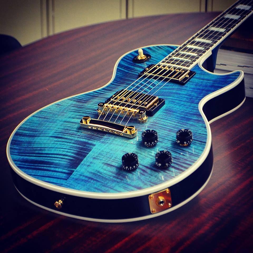 Les Paul Custom Figured in Neon Blue Guitar, Les paul