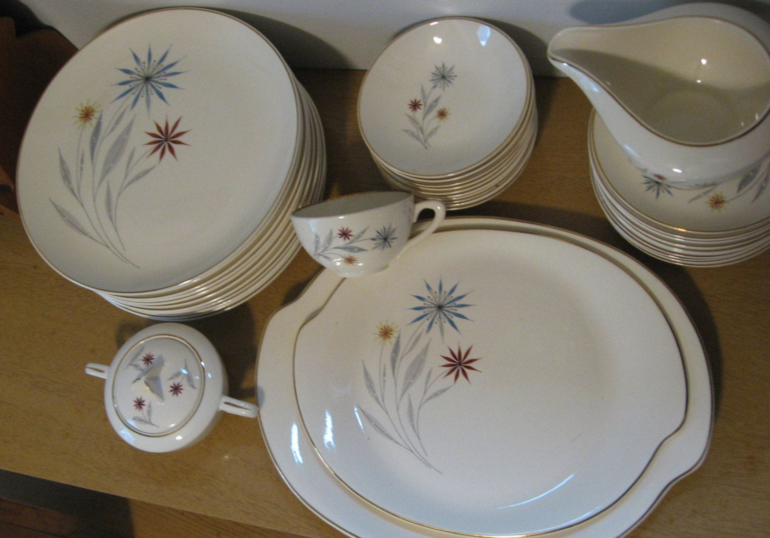 Vintage American Limoges Glamour Starflower china. Dinner Plates. Mid Century Modern China 1940s. 11 available. by PickleladyVintage on Etsy & Vintage American Limoges Glamour Starflower china. Dinner Plates ...