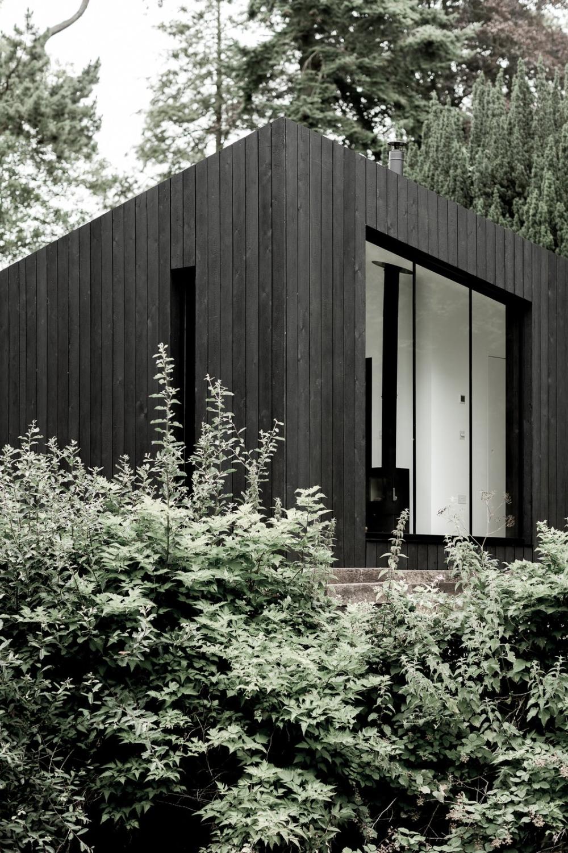 Photo 1 Of 11 In These Sleek Prefab Cabins Radiate Scandinavian Style Prefab Cabins Prefabricated Cabins Prefabricated Houses