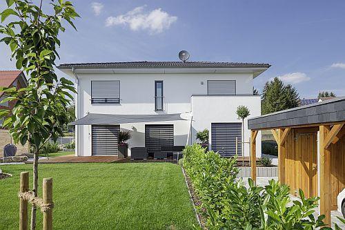 Luxhaus walmdach 168 au enansicht haus pinterest for Walmdachhaus mit garage