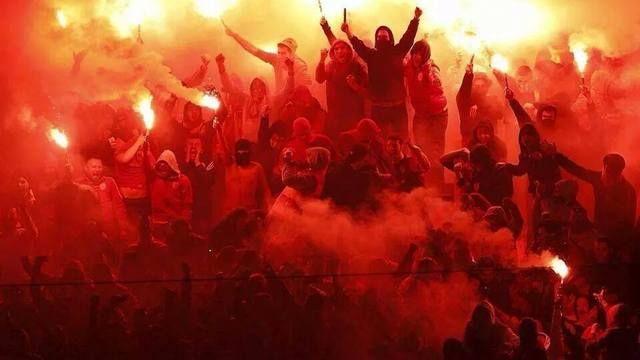 Hasil gambar untuk supporter ultras