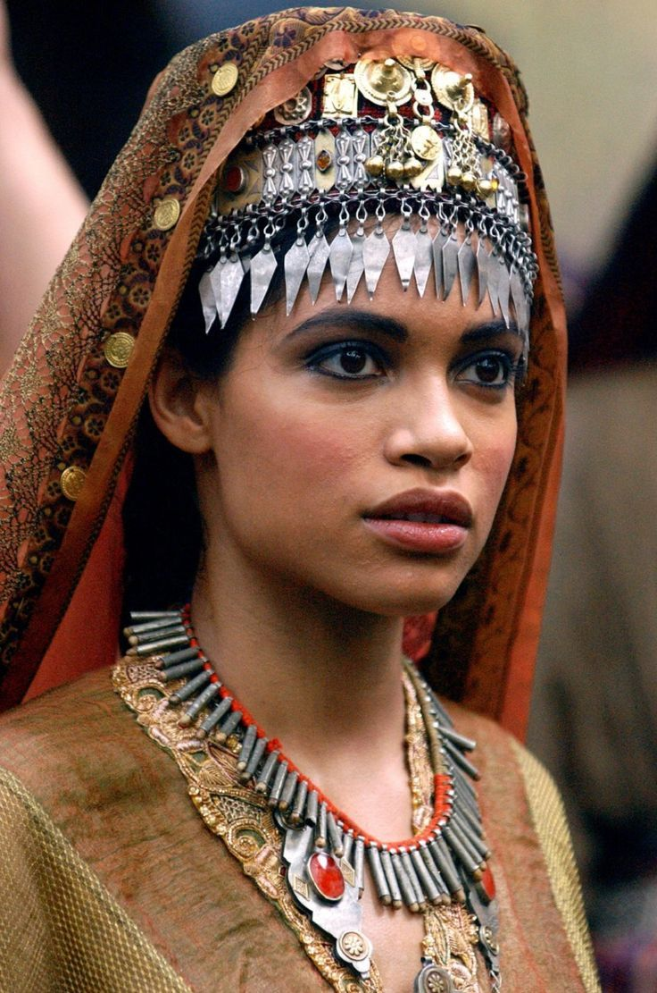 "Rosario Dawson (Roxane) in ""Alexander"" (2004). | Ancient ..."