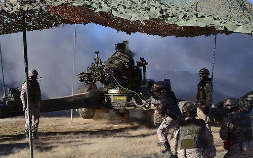 """Las unidades de Artillería de Campaña se adiestran en el """"Apoyo Avanzado""""."""